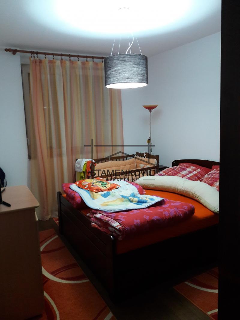 Odlican trosoban stan u kompleksu kod Sajma! ID#18