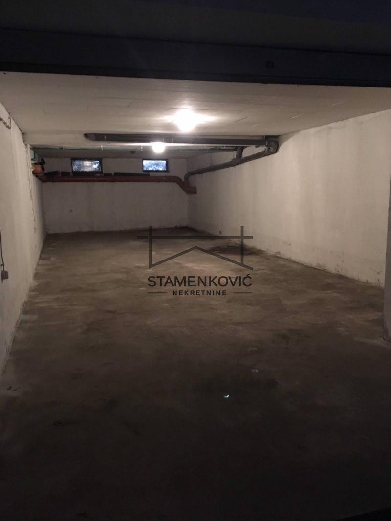 Prodaje se odlicna garaza! ID#3231